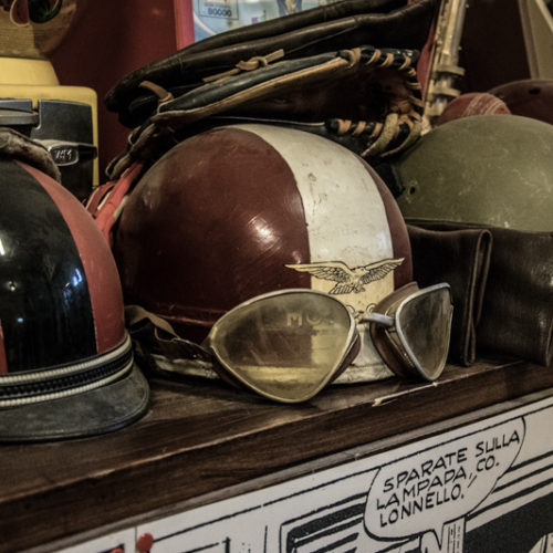 Noleggio caschi vintage