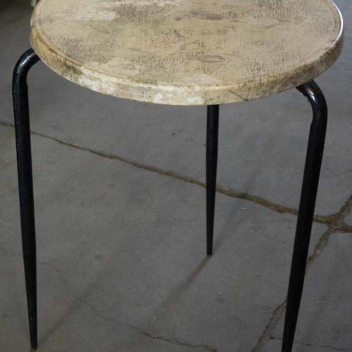 Noleggio tavolino resina