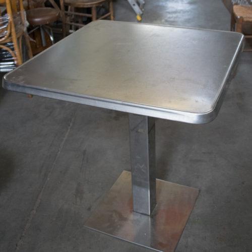 Tavolino da bar moderno