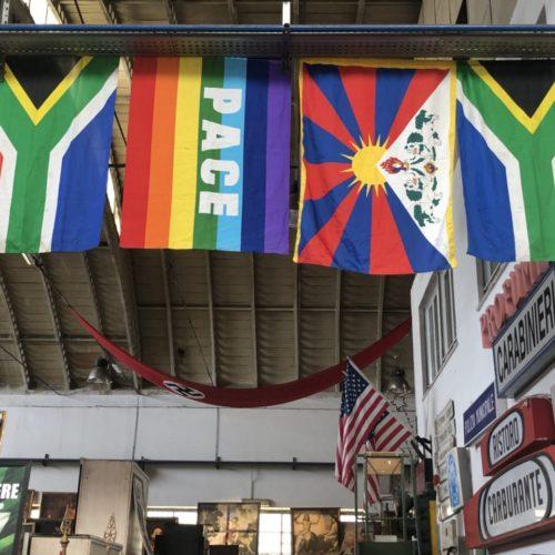 Bandiere nazionali vintage e moderne