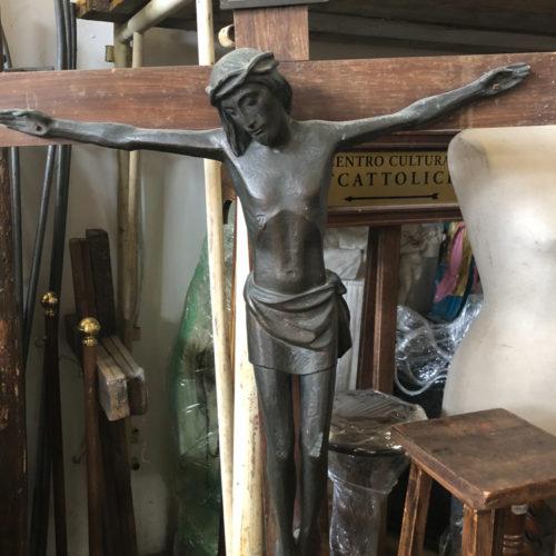 Crocifisso in legno e ferro