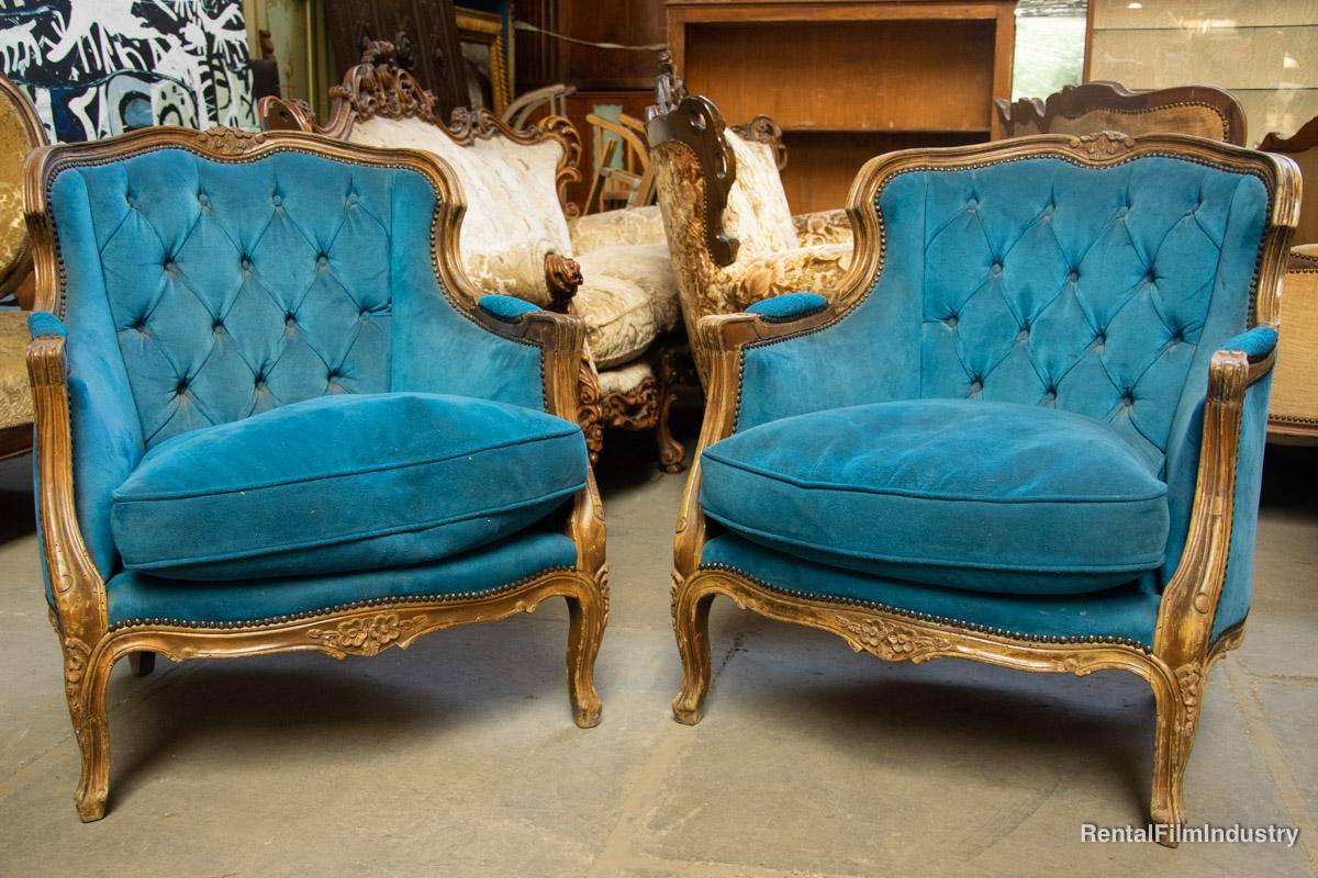 Divano barocco angolare azzurro con due poltrone rental for Divano barocco