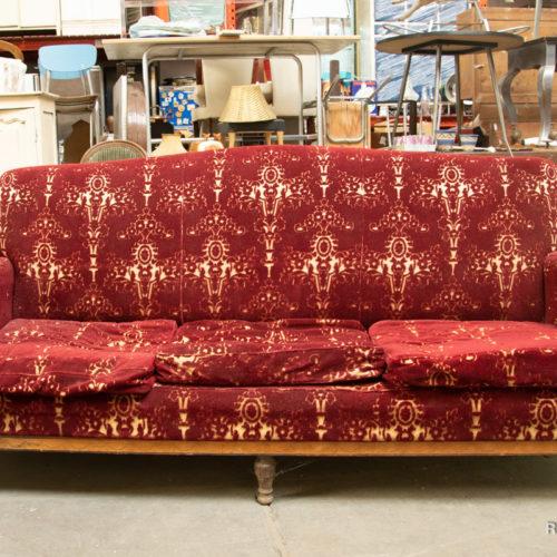Divano decò damascato rosso con poltroncina e sedia