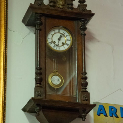 Orologio a pendolo alto vintage