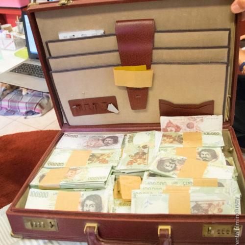 Valigia con denaro