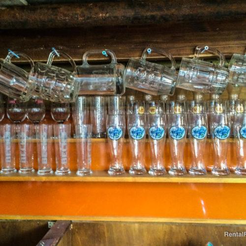 Bicchieri e boccali da pub in vetro