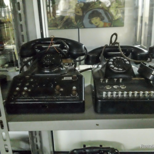 Telefoni vari neri vintage