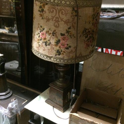 Lampada vintage con paralume in tessuto