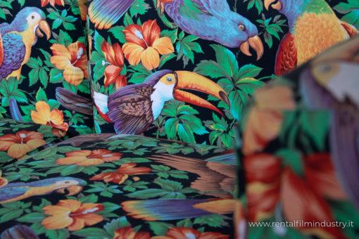 Divano con fantasia uccelli anni '70 dettaglio