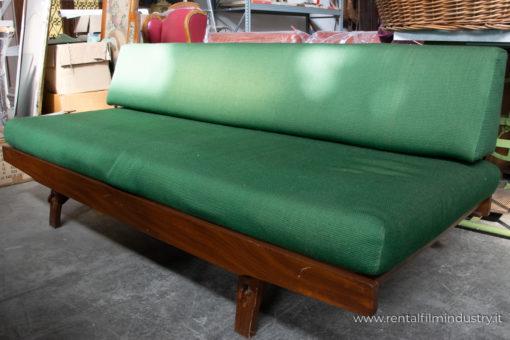 Divano verde stile svedese anni '70