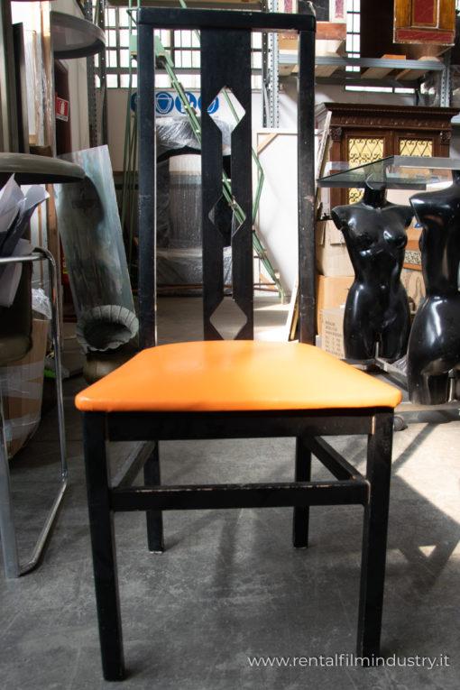 Sedie in legno con tessuto arancione anni '80 fronte