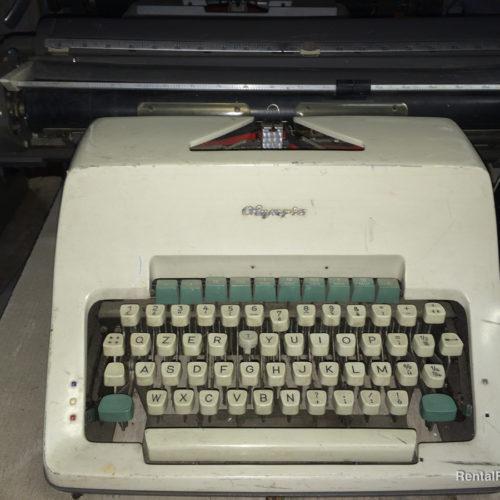 Macchina da scrivere anni '80