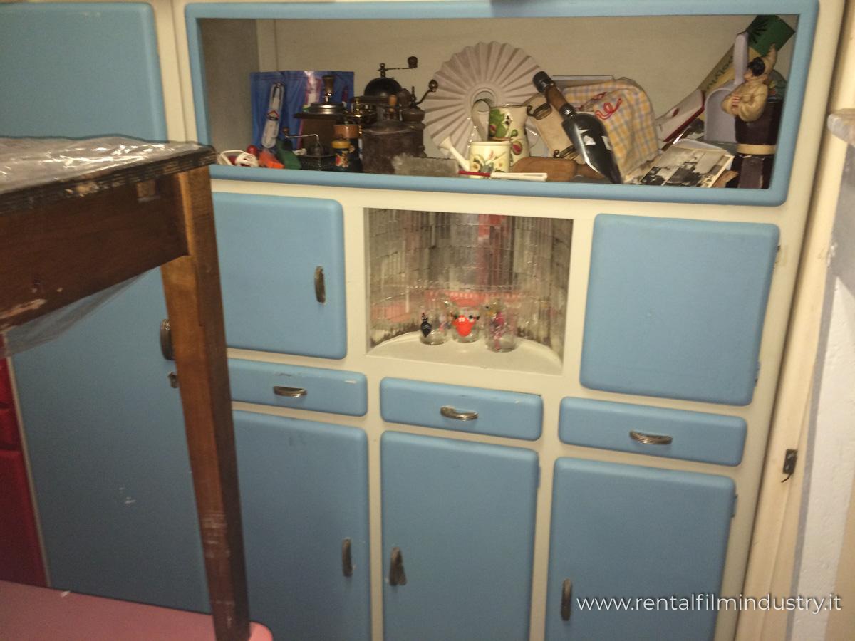 Credenza Cucina Anni 40 credenza panna con cassetti e sportelli azzurri anni '50