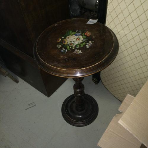 Tavolino tondo decorato