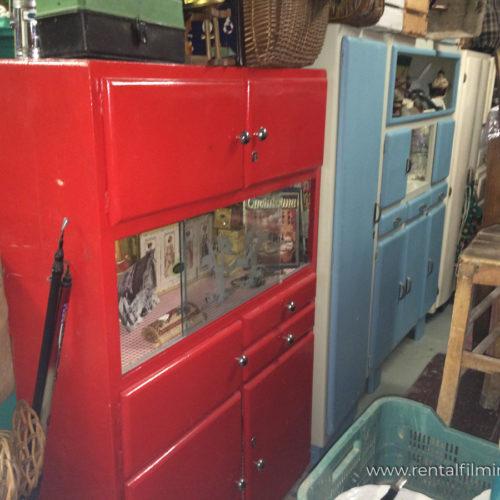 Credenza rossa con cassetti anni '50