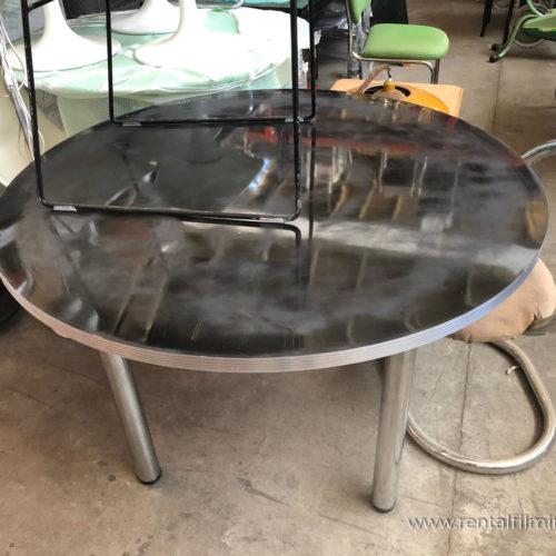 Tavolo tondo in acciaio moderno