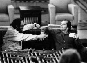 Stanley Kubrick parla con Jack Nicholson sul set di Shining