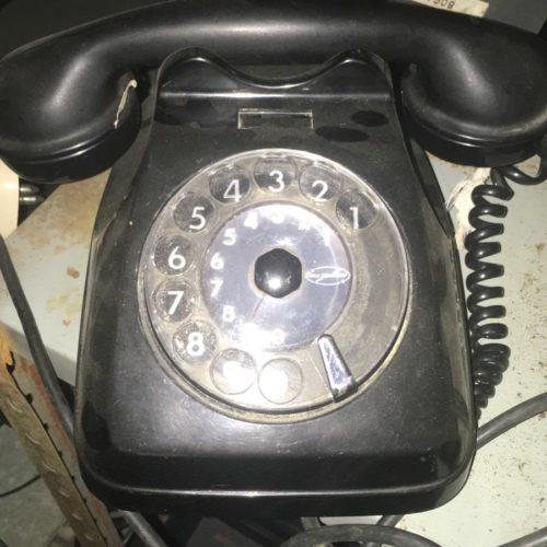 Telefono classico nero anni '60