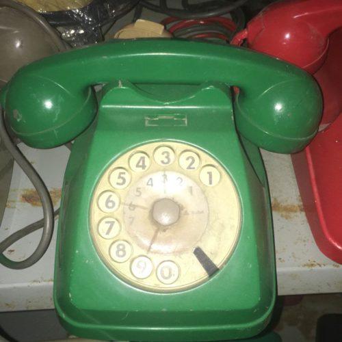 Telefono classico verde anni '60