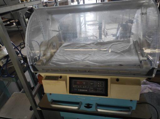 Macchinario Incubatrice Ospedale
